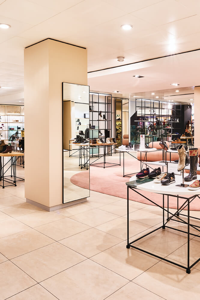 de bijenkorf amsterdam three different shoe departments each with its own look and feel we delivered this project at de bijenkorf in amsterdam